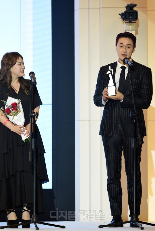 [포토]심진화, 남편 김원효 향한 달달한 눈빛